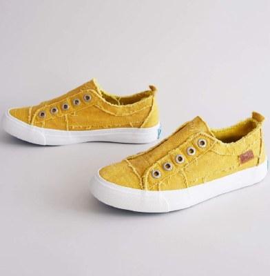 Mango Mojito Canvas Sneaker 8.5