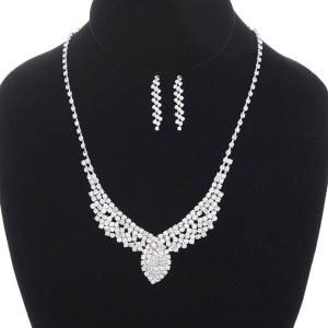 3 Piece Center Leaf Evening Necklace & Bracelet Set