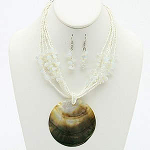 STRANDED NECKLACE SET WITH SHELL PENDANT WHITE
