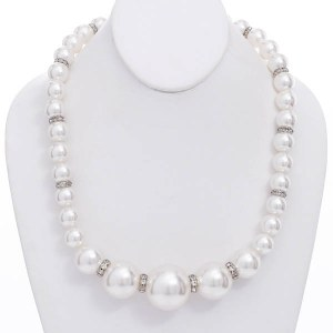 Graduating White Pearl Necklace Set
