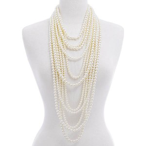 Layered Pearls Necklace Set