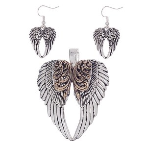 Angel Wings Pendant Set