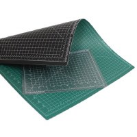 Art Alternatives Self-Healing Cutting Mat Green /Black 18x24in.