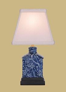 B/W Porcelain Table Lamp/Shade