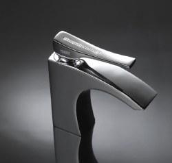 Skip Diamond Swarovski Faucet in Chrome w/ Drain
