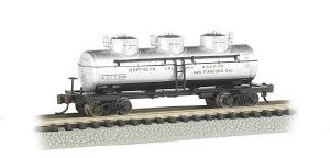N Gauge 3-Dome Tank Car Northern California Wineries - 17153