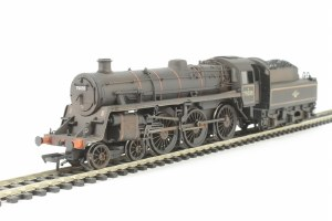 OO Gauge Std 4 Class 75035 In BR Green Late Crest Livery Weathered - 31-119