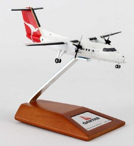 1:200 Scale Qantas New Zealand Dash-8 Q100 ZK-NEU - QFA585