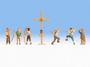 HO Gauge Mountain Hikers/Cross - 15871