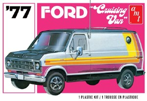 1:25 Scale 1977 Ford Cruising Van - AMT1108