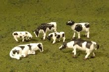 HO Gauge Cows, Black & White - 33103