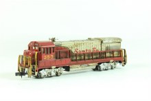 N Gauge U36B In Santa Fe Silver & Red Livery - 64052