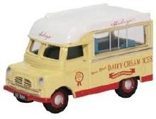 1:76 Scale Bedford CA Ice Cream Hockings - 76CA030