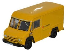 1:76 Scale Commer Walk Thru British Rail Yellow - 76CWT002