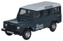 1:76 Scale Land Rover Defender Station Wagon RAF - 76DEF013