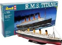 1:700 Scale R.M.S Titanic - 05210