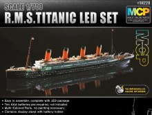 1:700 Scale R.M.S. Titanic + LED Set - 14220