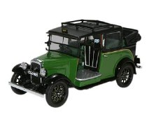 1:43 Scale Austin Low Loader Taxi Roof Down Green/Black - AT005