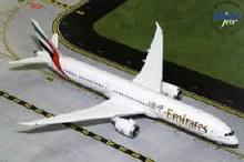 1:200 Scale Emirates Boeing 787-10 Dreamliner - G2UAE740