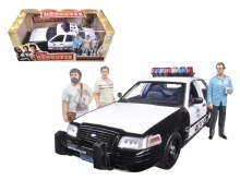 "1:18 Scale 2000 Ford Crown Victoria Police Interceptor Car w/3 Figures ""The Hangover"" - GL12911"