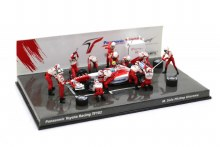 1:43 Scale Panasonic Toyota Racing TF102 M. Salo Pitstop Diorama