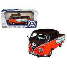 1:24 Scale Volkswagen Type 2 (T1) Pickup w/Surfboard - 79560
