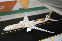 1:200 Scale Etihad Airways B777-300ER - ETD155