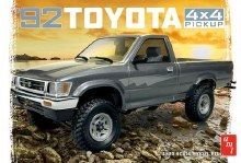 1:20 Scale 1992 Toyota 4X4 Pick-Up - AMT1082