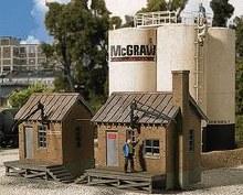 HO Gauge McGraw Oil Company Plastic Kit - 933-2913