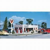 HO Gauge Al's Victory Service Gas Station Plastic Kit - 933-3072