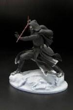 Star Wars: Kylo Ren Statue