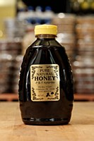 P & T Apiaries Honey 2 Lb