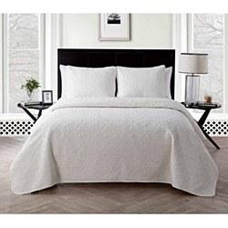 VCNY Caroline 3 piece Embossed Quilt Set - Full/Queen