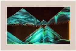 Silhouette: Glowbee White Sand Art