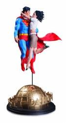 DC Designer Ser Superman & Lois Lane By Frank Statue