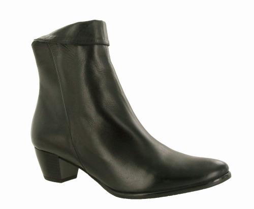 Riva Armadillo Leather Black
