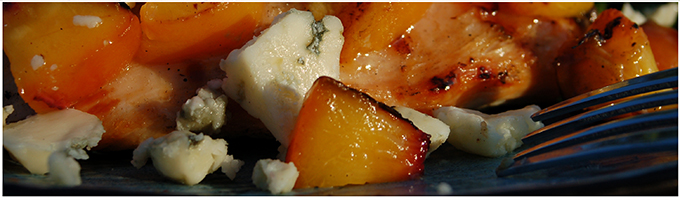 Recipe Chicken with Grilled Peaches and Oregonzola