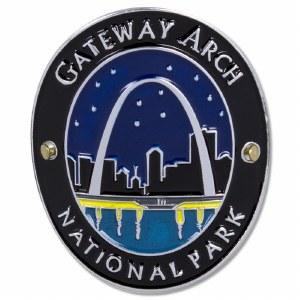 Traveler Series Gateway Arch Hiking Medallion