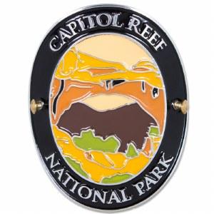 Traveler Series Capitol Reef Hiking Medallion