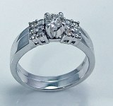 Diamond wedding set 14ktw gold .69cttw .28ct center I VS2 model 300-5633W