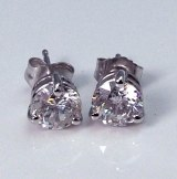 Diamond stud earrings 14ktw 1.30cttw F G SI3