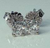 Diamond Stud Earrings 0.18cttw