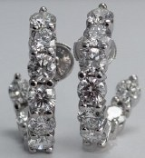 DIAMOND EARRING 5.0CTTW 18EA