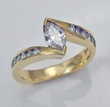 Diamond engagement ring 18kt Yellow gold 0.84cttw 0.50ct Marquise SI1 E
