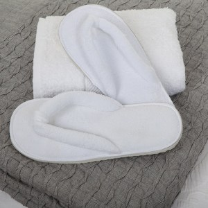 BC Slipper Thong Fleece White