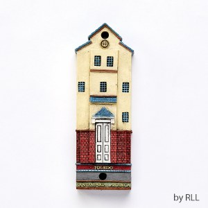 Polyresin Mezuzah Toledo Synagogue Design 7.5cm