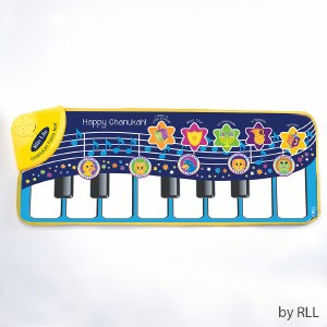 Chanukah Piano Mat Sings 5 Chanukah Songs