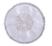 "Matzah Cover Circle White with Finges Embroidered Design ""Pesach"" Inside Diagonal"