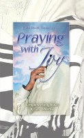Praying with Joy Volume 5 Kriyas Shema [Hardcover]