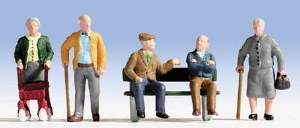 Noch OO 15551 Senior Citizens (5) and Bench (HO Scale)